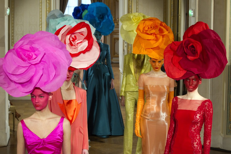 On Heads at Paris Fashion Week Couture Shows (2/6)